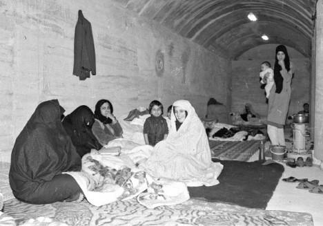 پارکینگ یک برج مسکونی، بلوار کشاورز، 23 اسفند 66